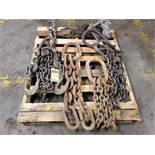 PALLET W/ ASSORTED LIFTING CHAINS 1/4'' - 1''