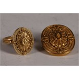 A 22ct gold and filigree decorated dress ring, together with matching brooch (7g and 10g, total
