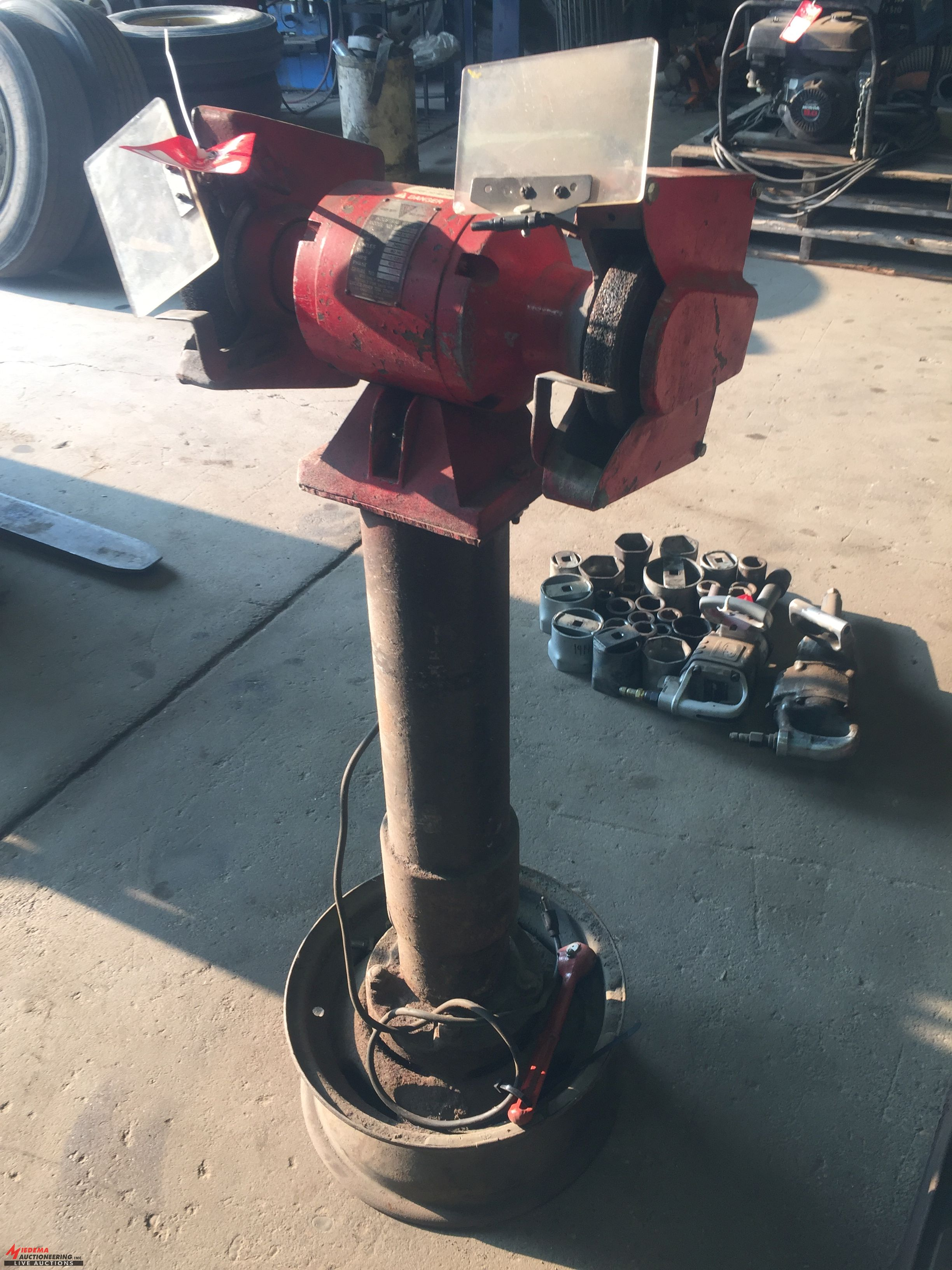 Lot 31 - PEDESTAL GRINDER/WIRE WHEEL [LOCATION: EAST WINANS STREET LOCATION]