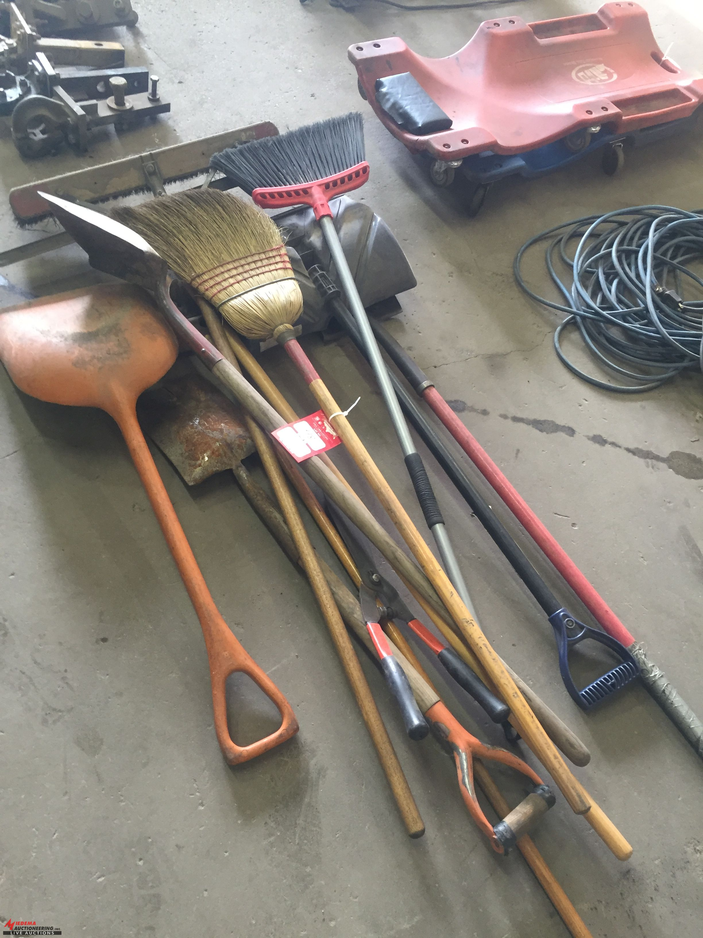 Lot 48 - ASSORTED BROOMS, SHOVELS AND MORE [LOCATION: EAST WINANS STREET LOCATION]