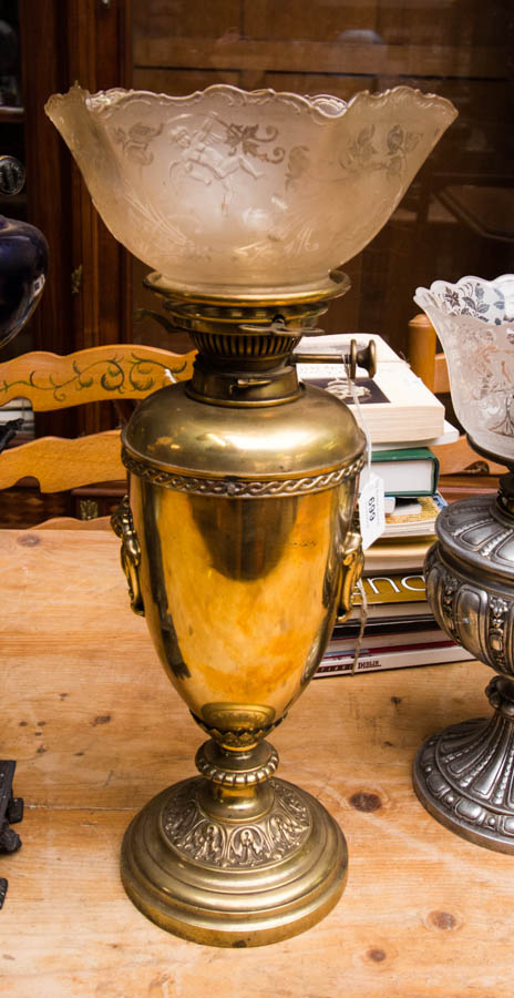 Lot 699 - BRASS BASE OIL LAMP WITH SHADE