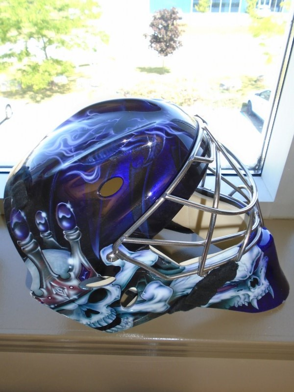Lot 24 - Sport Mask Graphic Goalie Mask