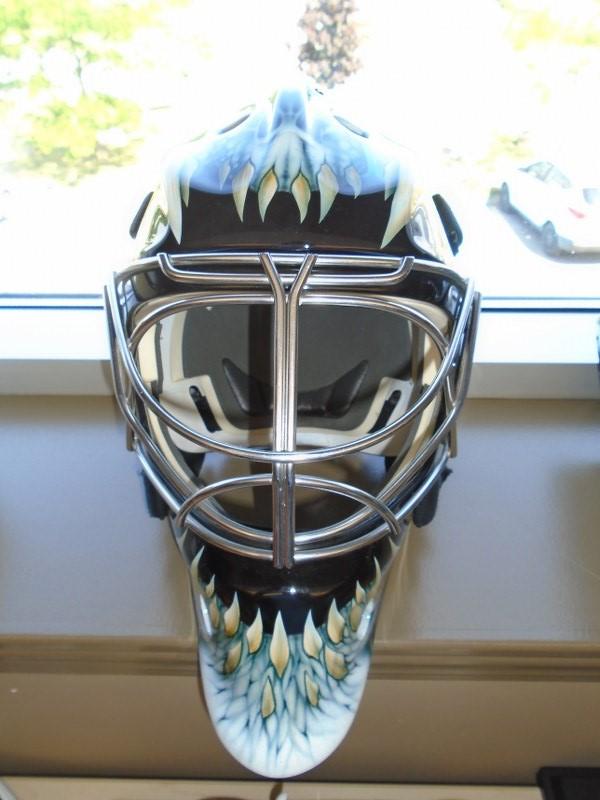 Lot 25 - Itech Graphic Goalie Mask