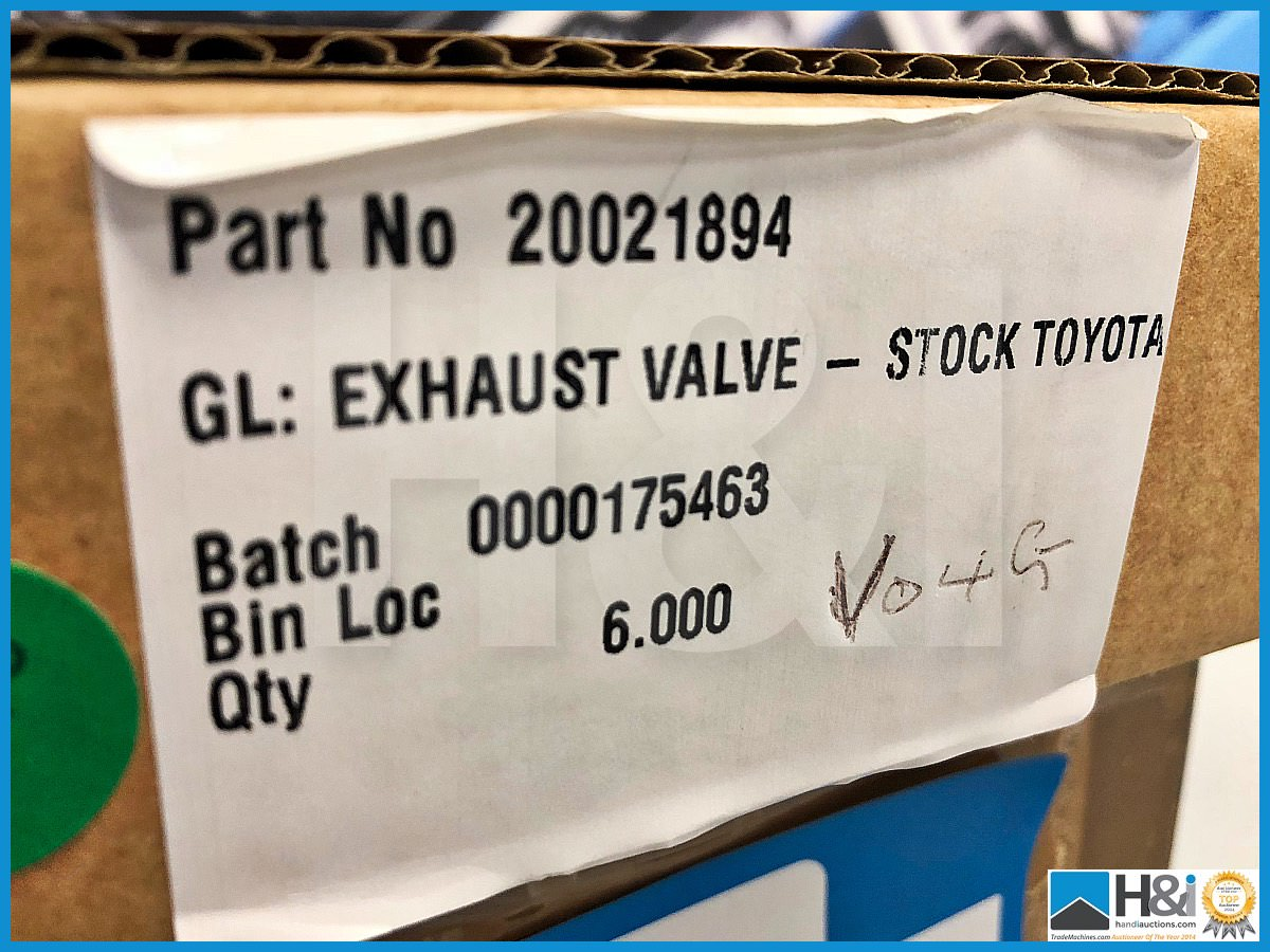 Lot 38 - Approx 48 x Cosworth Lotus GL exhaust valves - stock Toyota. Code: 20021894. Lot 262