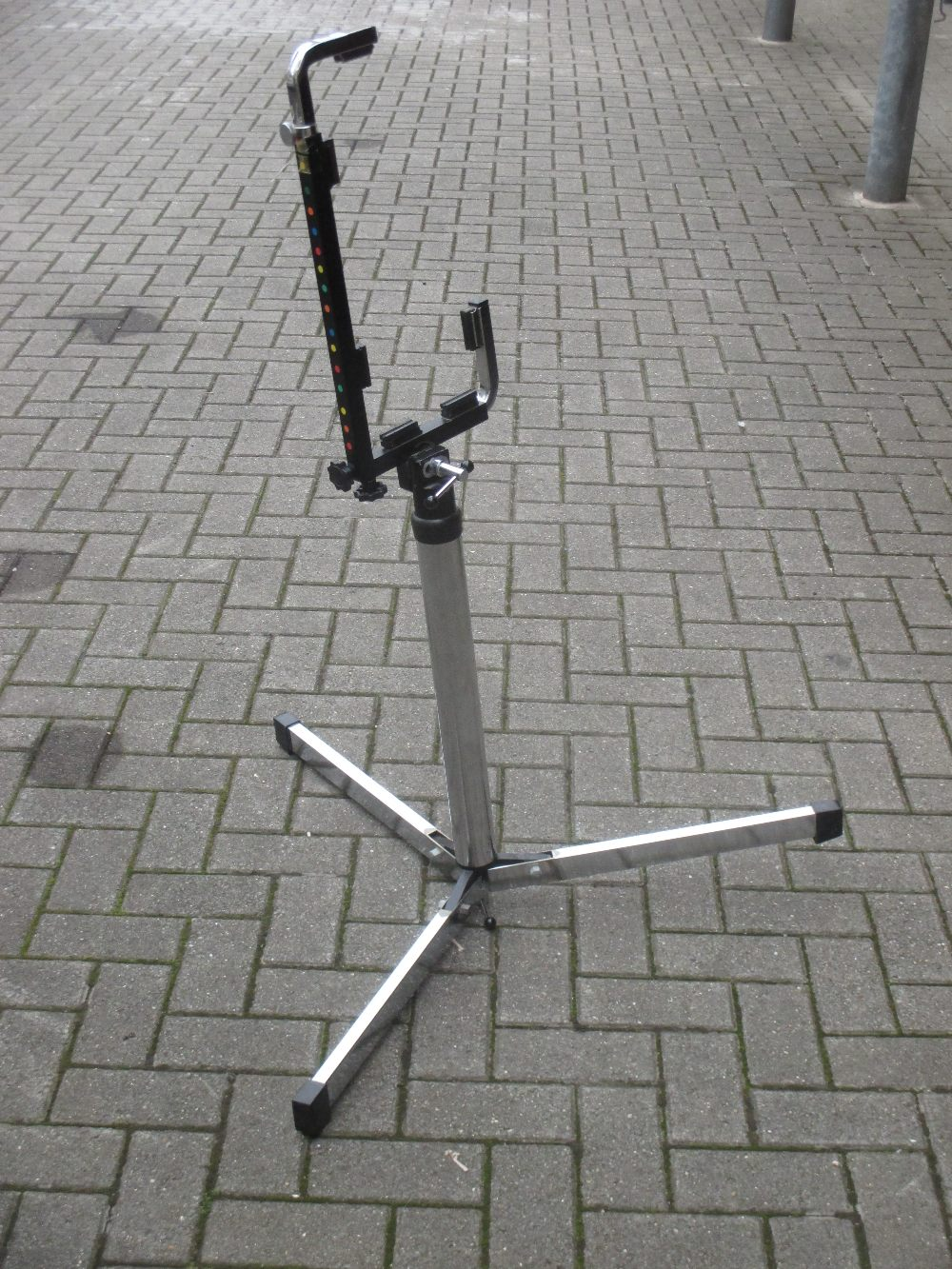 Lot 165 - An adjustable accordion stand
