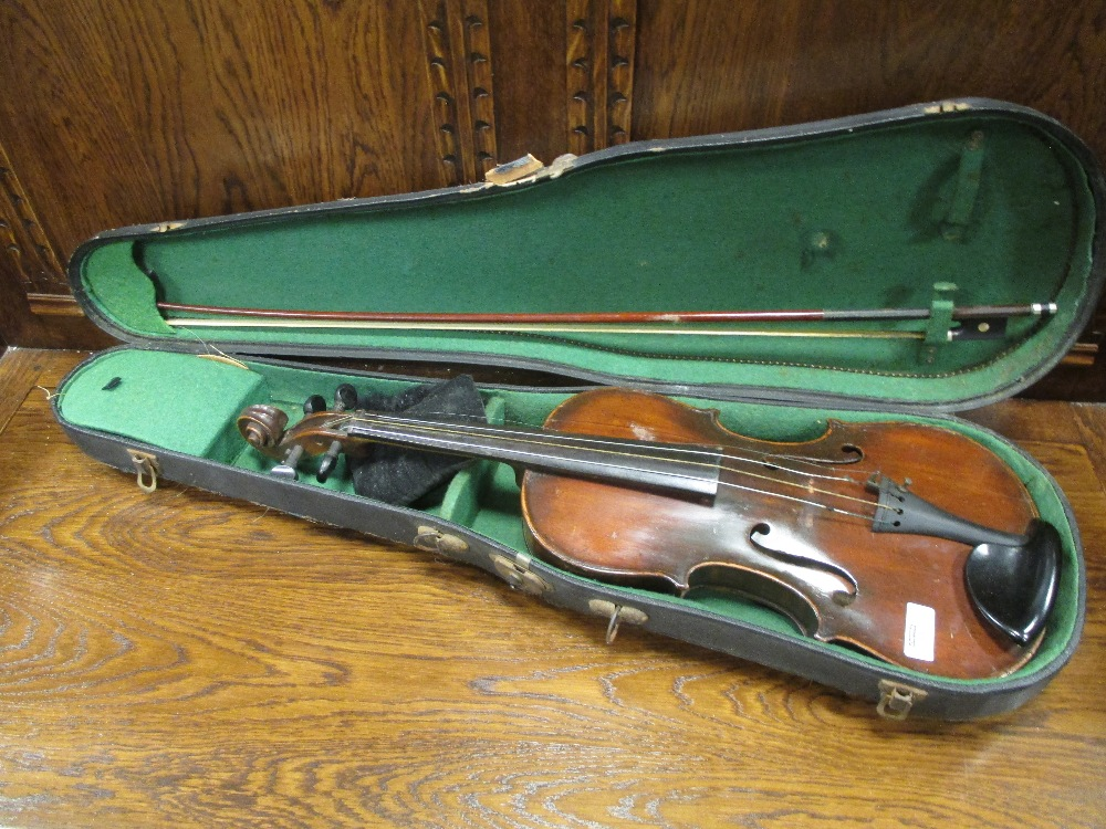 Lot 137 - A German violin with Stradivarius label (full size) cased