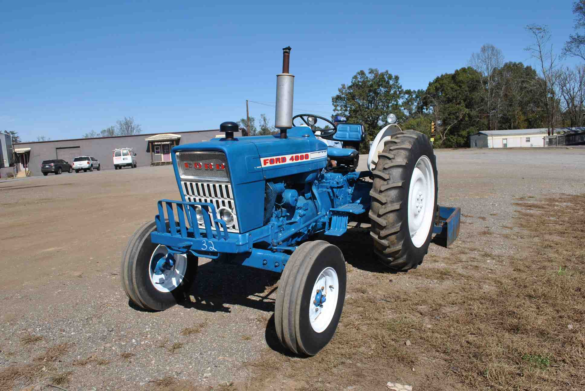 Ford 4000 Diesel Tractor : Ford tractor s n d c w cylinder diesel engine
