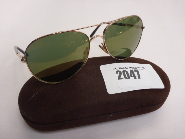 Lot 2047 - Tom Ford sunglasses in carry case