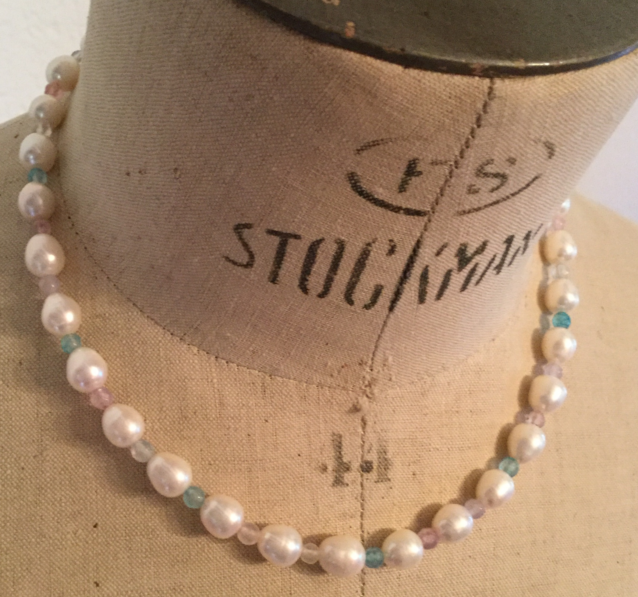 Lot 14 - Freshwater Cultured Pearl Necklace and Beryl facate delicate bridal colour 925 silver
