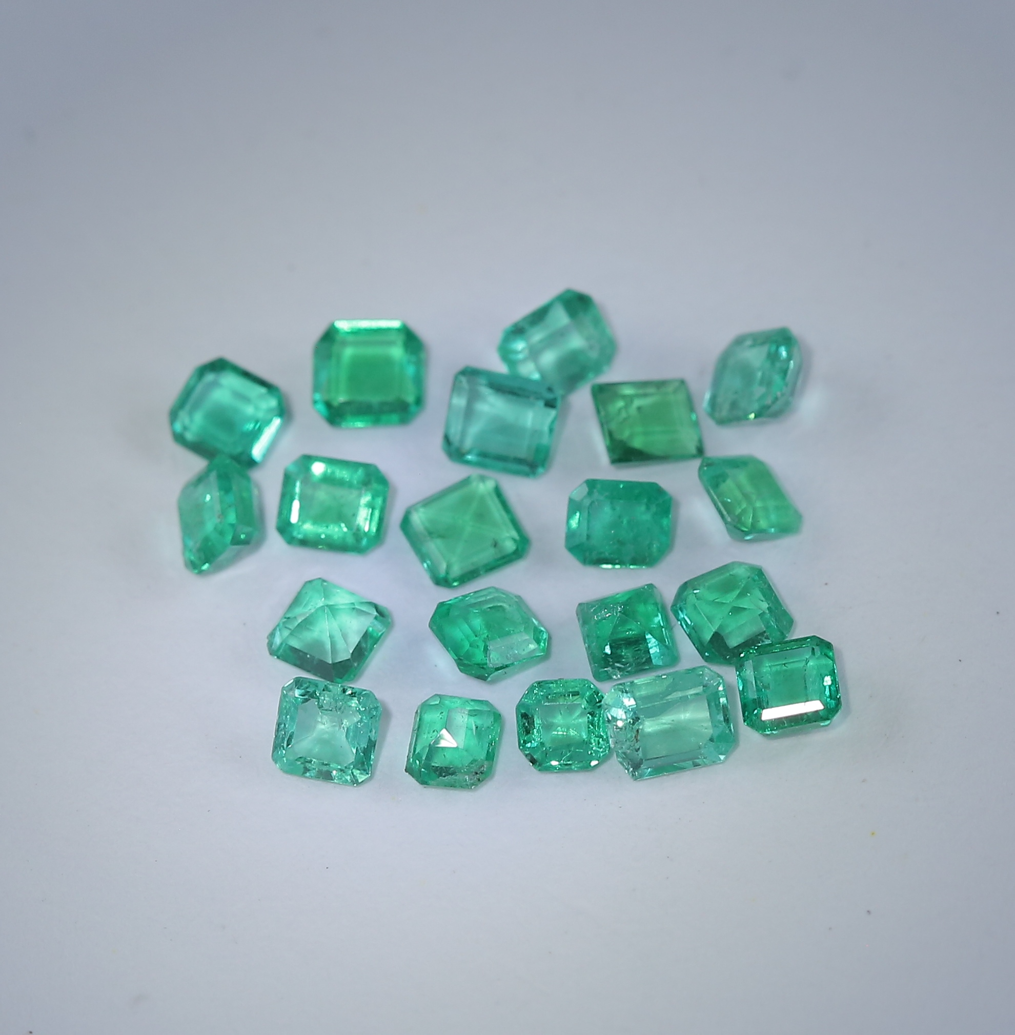 Lot 61 - 1.31 ct. Emerald Lot - COLOMBIA