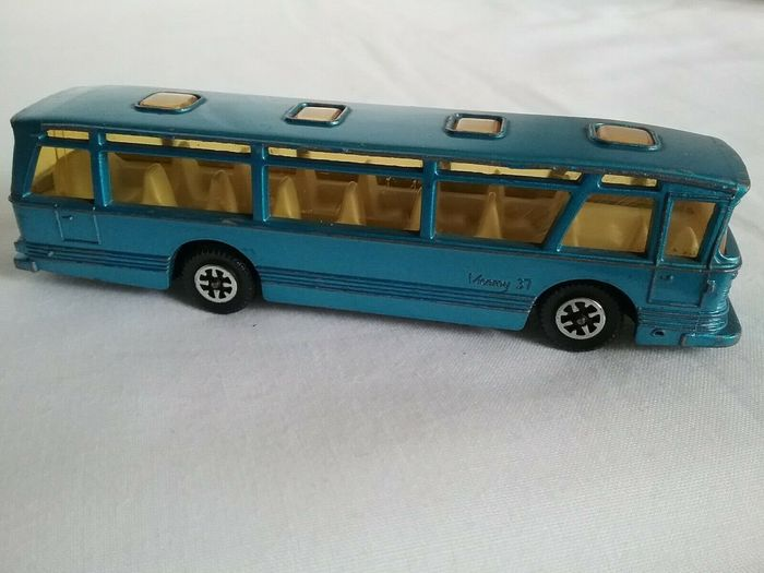 Lot 26 - DINKY TOYS VICEROY COACH MADE IN ENGLAND