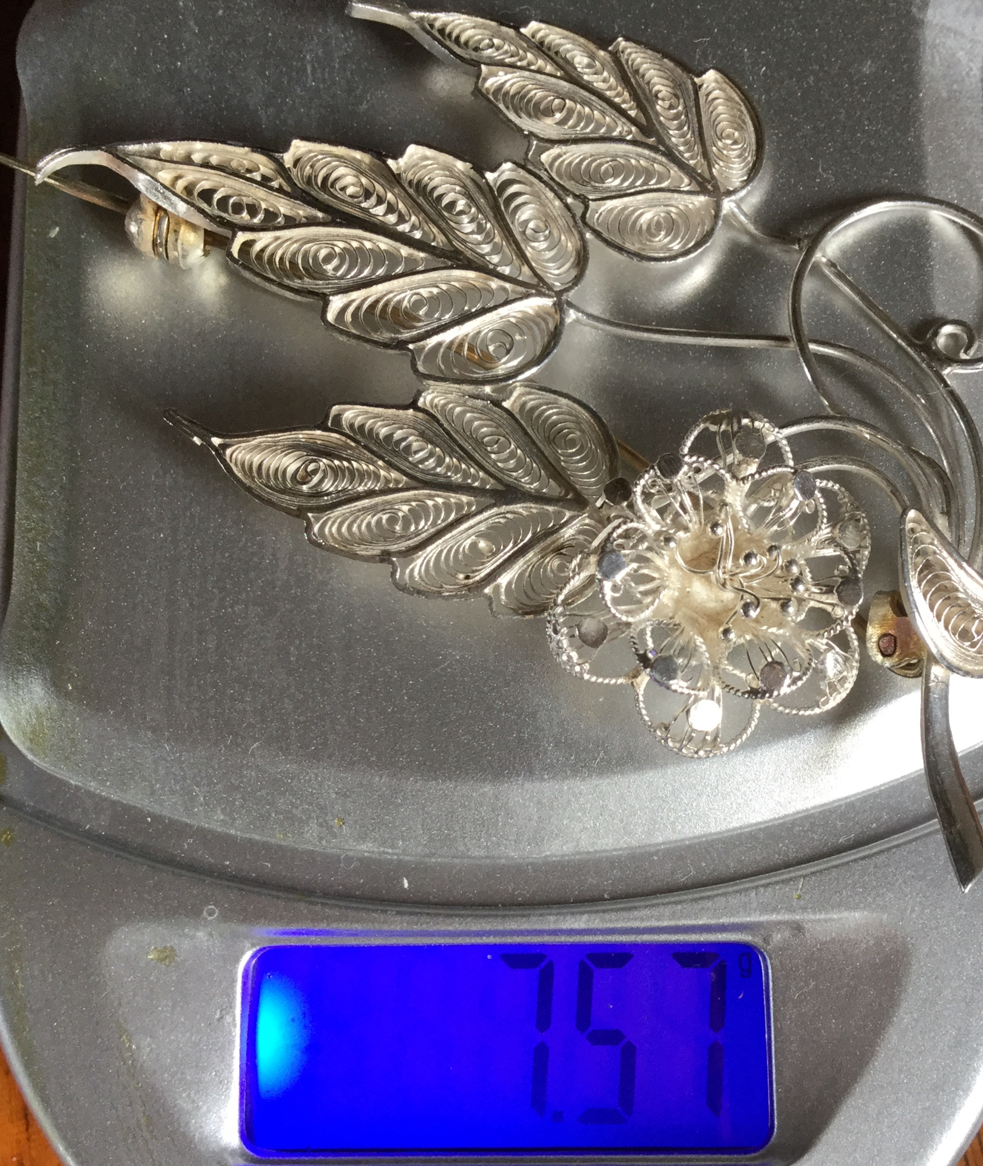 Finesse Vintage Malta Brooch Flower and leaf 7.57 gram scarf pin shawl pin - Image 2 of 4