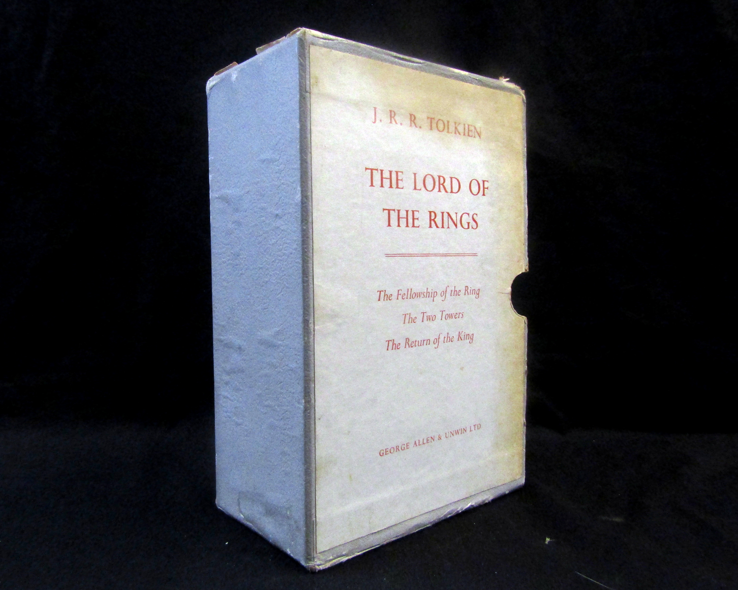 J R R TOLKIEN: THE LORD OF THE RINGS - THE FELLOWSHIP OF THE RING- THE TWO TOWERS - THE RETURN OF - Image 5 of 7