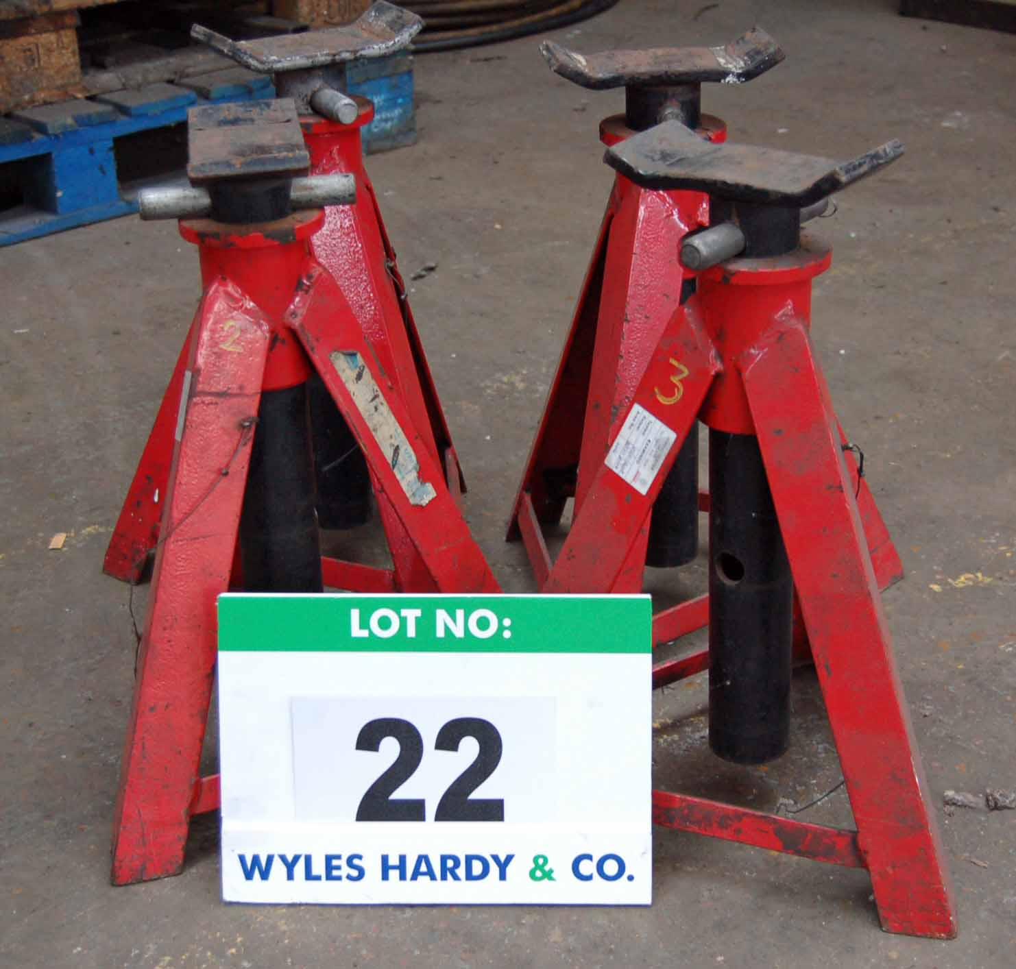 Lot 22 - A Set of Four SEALEY AB7500 Commercial Vehicle Axle Stands, 7500Kg capacity