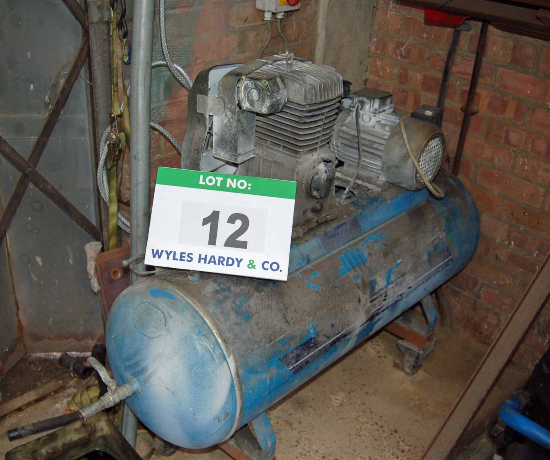 Lot 12 - An ATLAS COPCO Auto Air J15 Receiver mounted Mobile Single Cylinder Air Compressor, 11-Bar, 150-