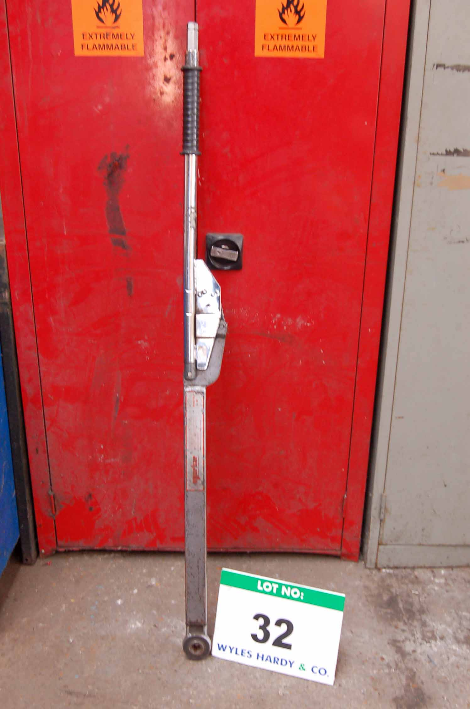 Lot 32 - A NORBAR 5R Commercial Vehicle Torque Wrench 200-750 lb ft/300-1000NM capacity
