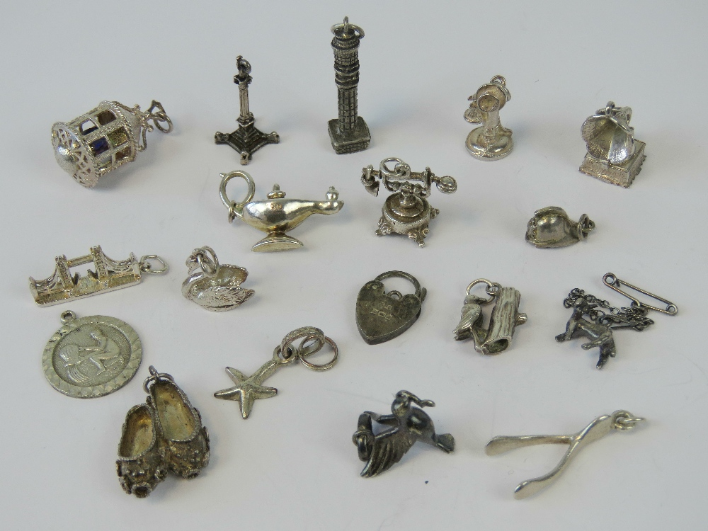Lot 47 - A quantity of assorted silver and white