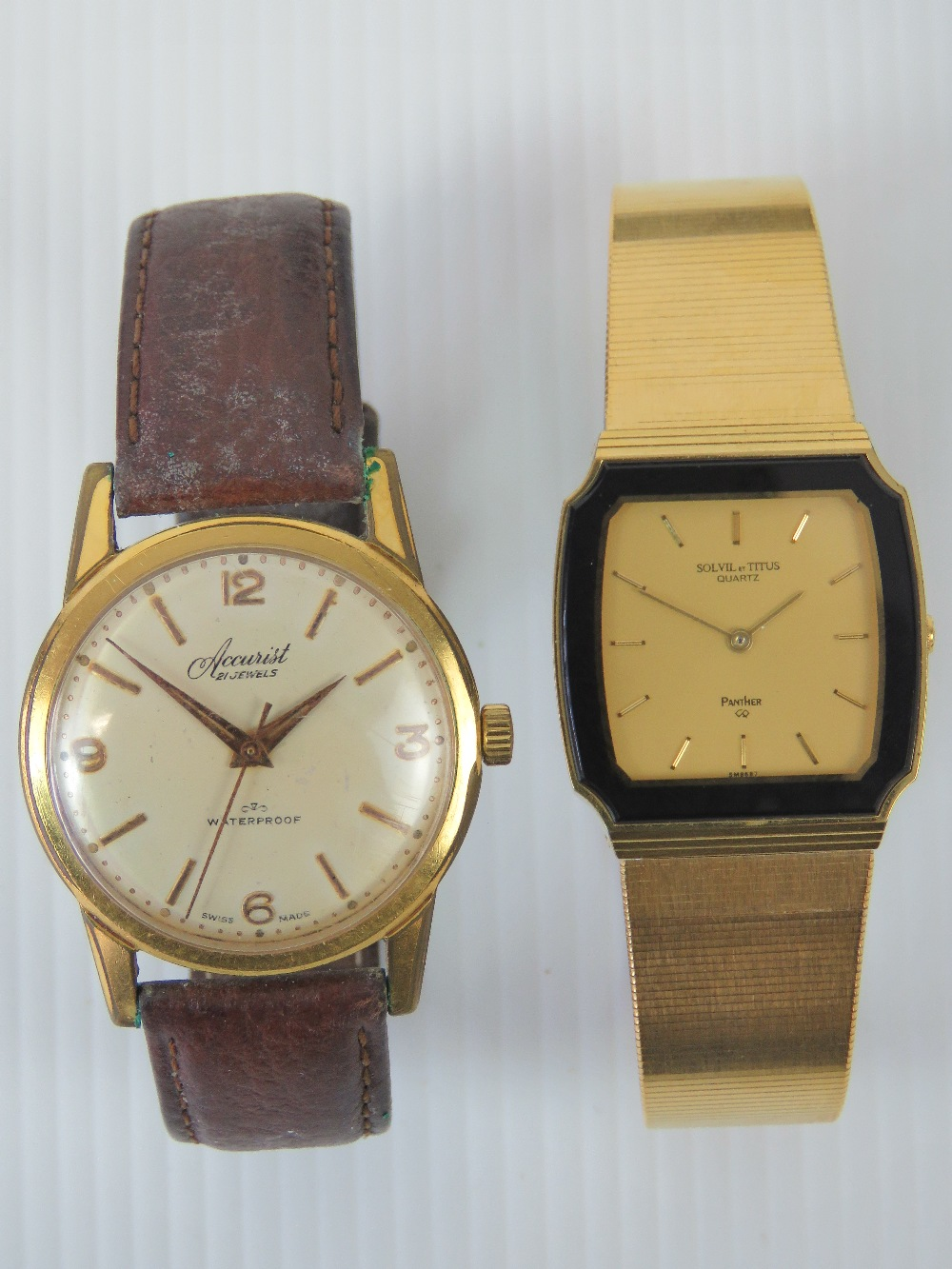 Lot 357 - A vintage Accurist manual wristwatch wit