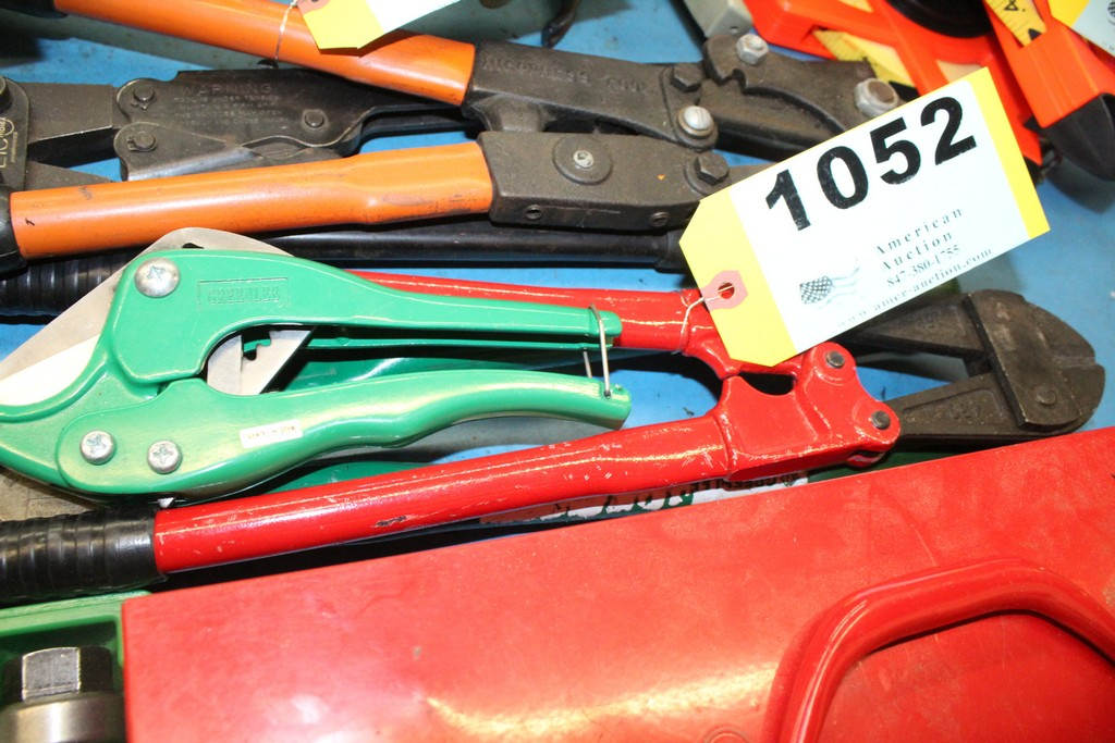 Lot 1052 - (2) GREENLEE CABLE CUTTERS AND BOLT CUTTER