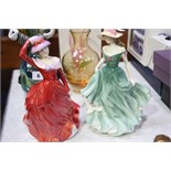 2 Royal Doulton figurines 'Mary & Janet'
