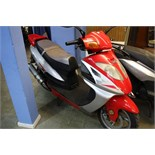 SG 125 T-6 scooter