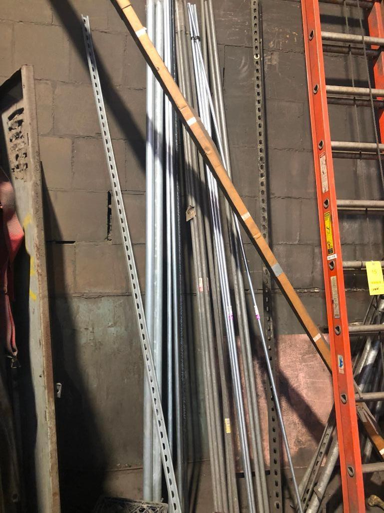 Lot 16 - LOT: Lockers and Conduit Along Wall
