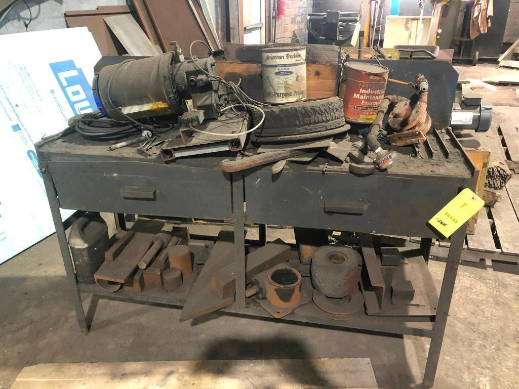Lot 7 - LOT: Bench with Contents