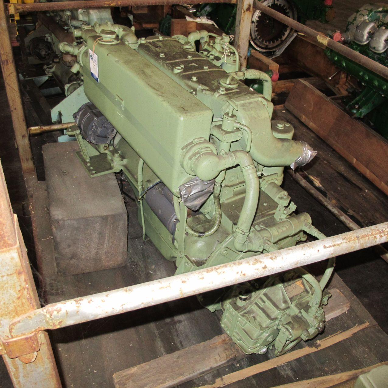 Diesel engine marine mercedes om352 6cyl c w hurth for Mercedes benz marine engines