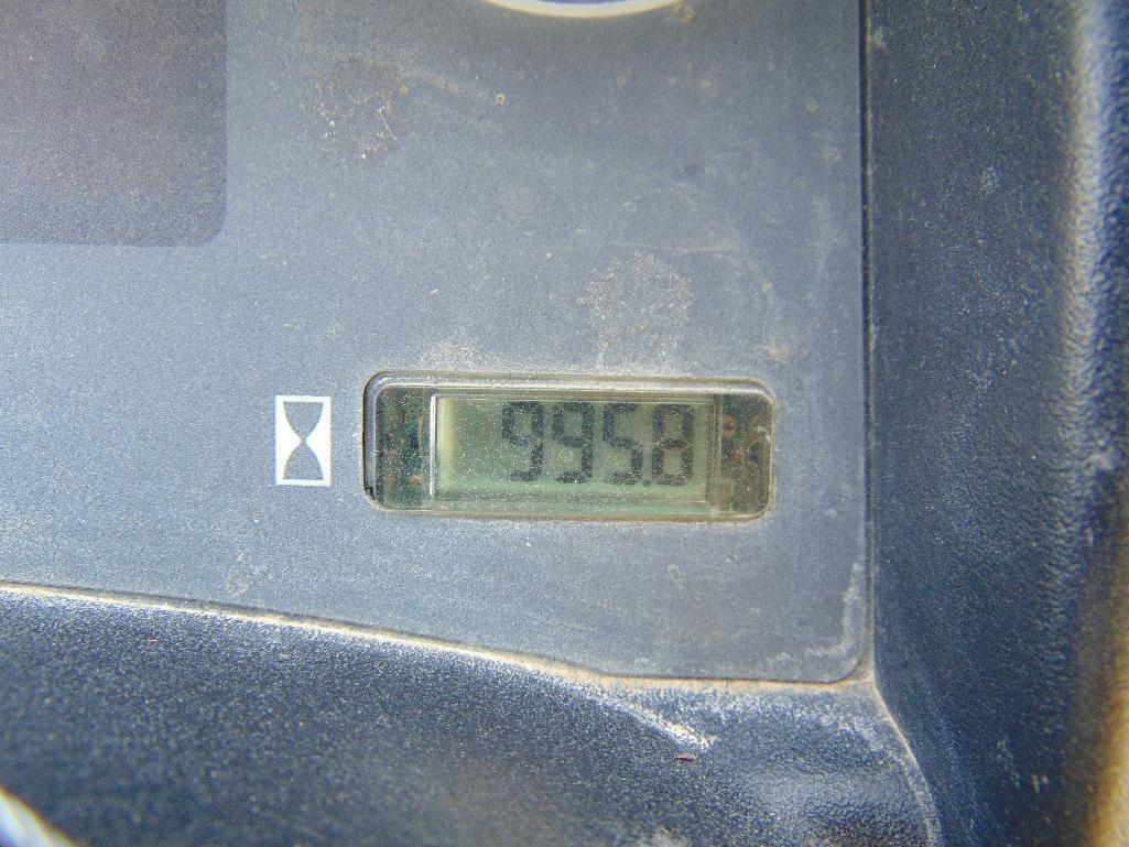 Lot 80 - 2011 John Deere 625i Gator, s/n 1m0625gsjbm013709, hour meter reads 996 hrs, hydraulic dump bed,
