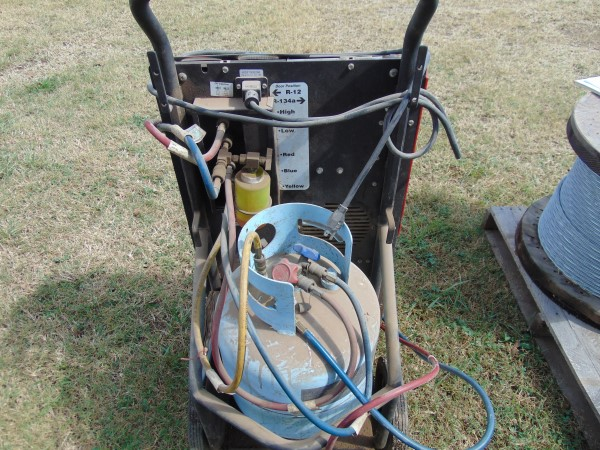Lot 25 - Robin Air Freon Recovery Machine