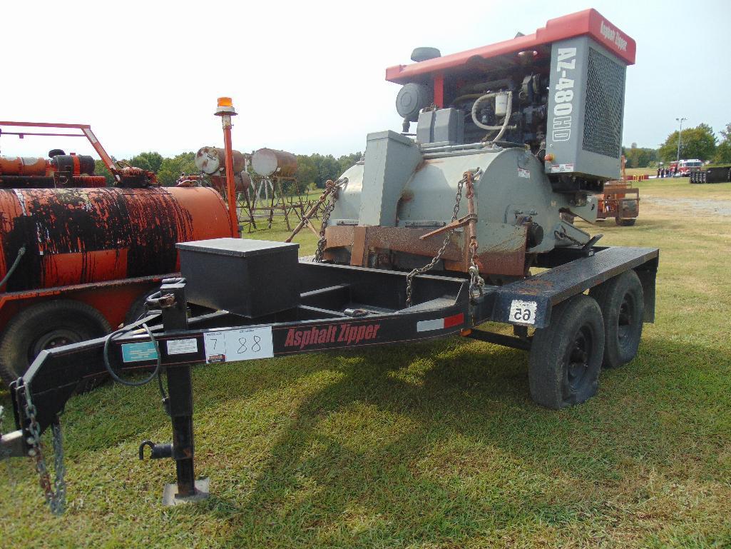 Lot 88 - Asphalt Zipper AZ480HD s/n 48hd0226, with williamson trailer, hour meter reads 300 hrs,