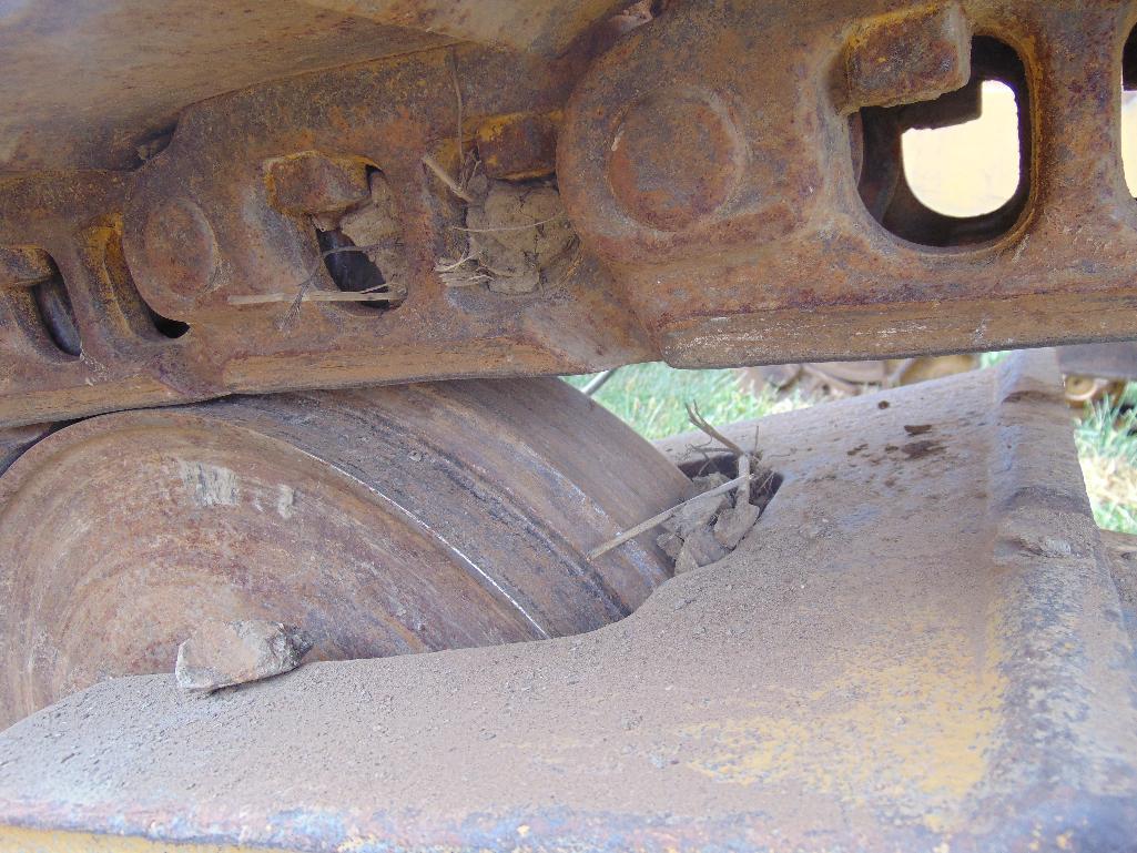 Lot 100 - 1986 Cat D5H LGP Crawler Tractor, s/n 25d00308, s/dozer blade w/tilt, Canopy, sweeps