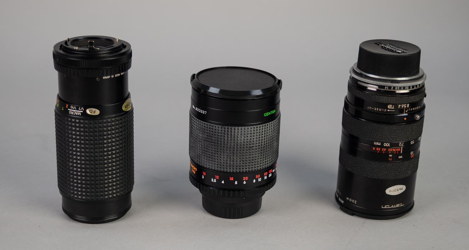 Lot 450 - CENTON 500mm, f:8, MIRROR LENS, No: 820337, in hard case, together with a TAMRON 38-100mm, f:3.5