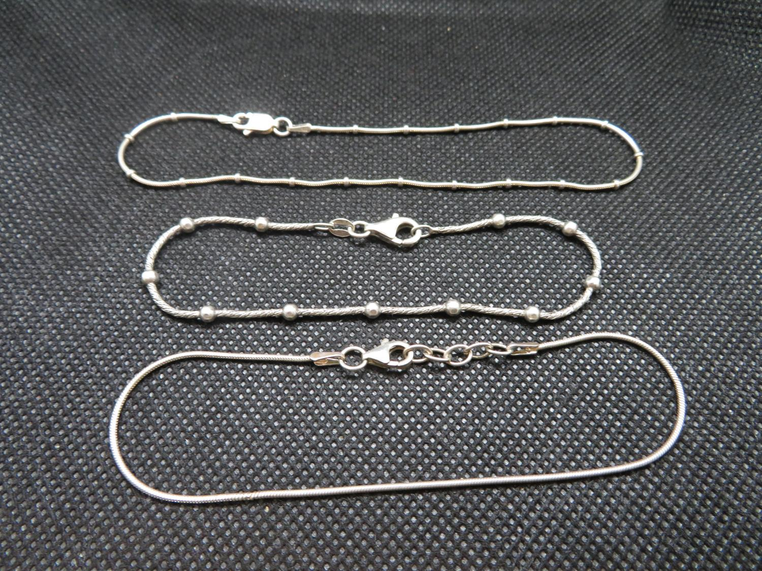 Lot 43 - Job lot of 2 silver bracelets and ankle chain 9g