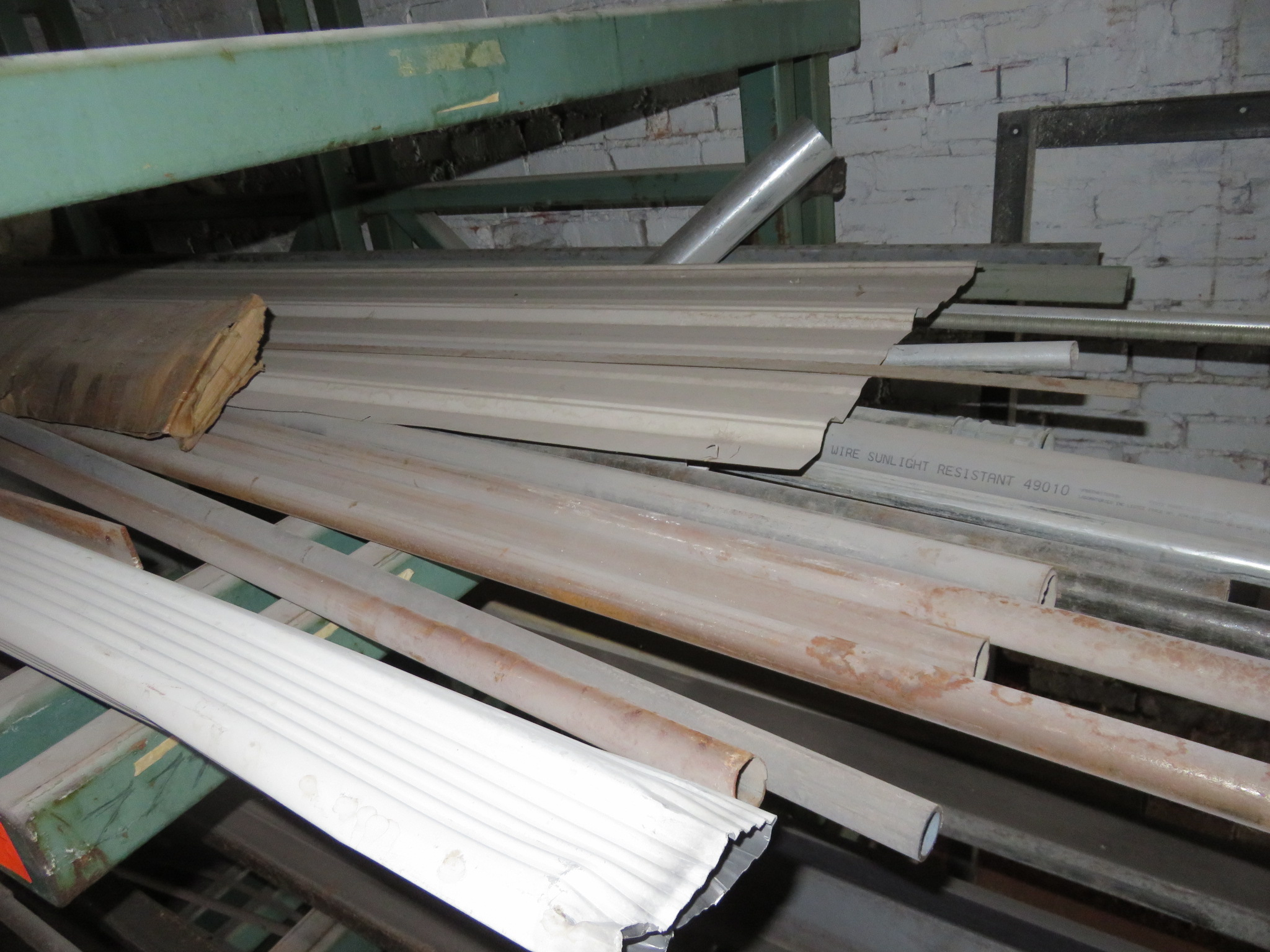 """Heavy Duty Cantilever Racking with Metal Stock Approx.123"""" x 56.5"""" x 82"""" - Image 2 of 6"""