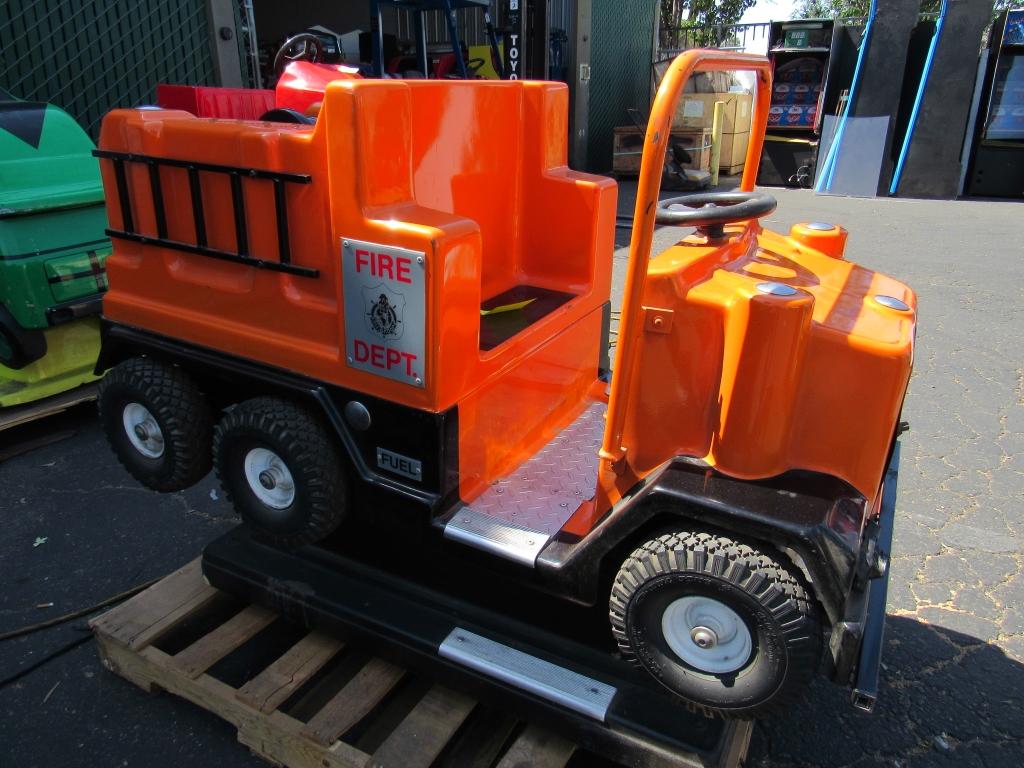 Lot 354 - KIDDIE RIDE FIRE ENGINE TRUCK ORANGE