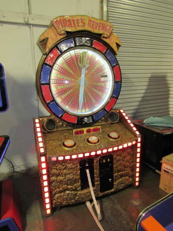 Lot 184 - PIRATES REVENGE TICKET REDEMPTION GAME 5 STAR