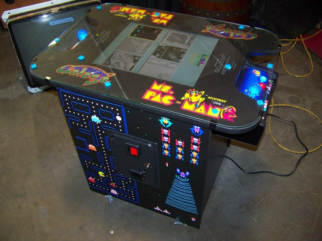 Lot 150 - 60 IN 1 CLASSICS COCKTAIL LCD TABLE ARCADE L@@K!!