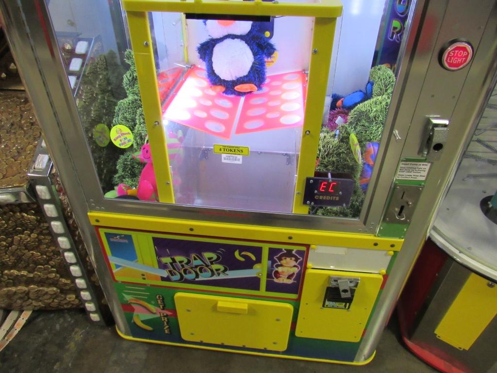 Lot 183 - TRAP DOOR BENCHMARK PRIZE REDEMPTION GAME