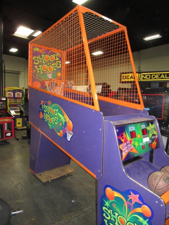 Lot 180 - SHOOT N HOOPS BASKETBALL REDEMPTION GAME BAYTEK
