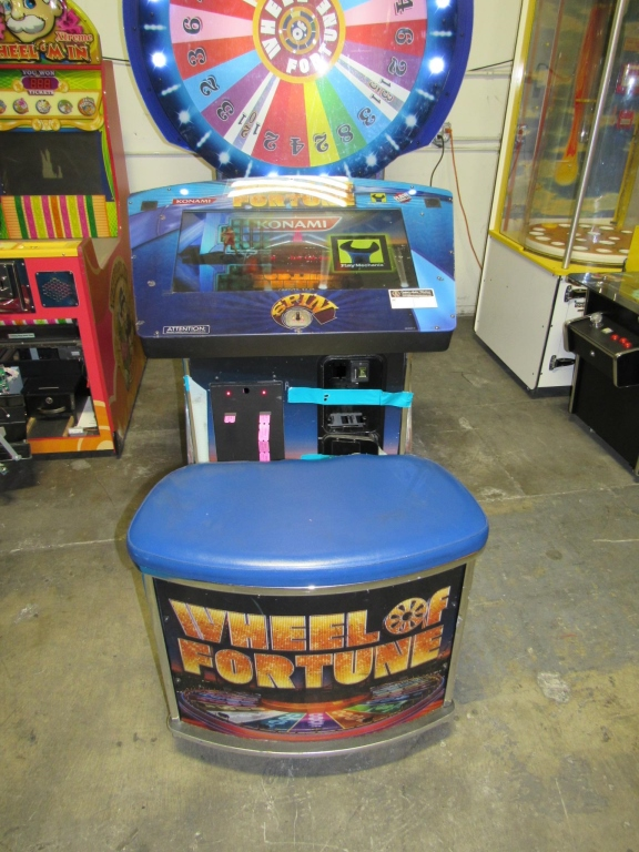 Lot 190 - WHEEL OF FORTUNE DELUXE RAW THRILLS ARCADE GAME