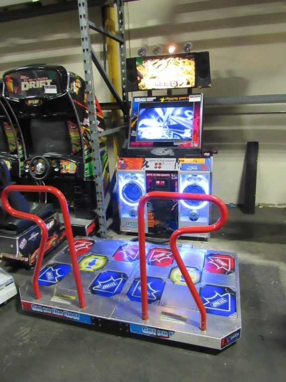 Lot 164 - PUMP IT UP NX EXCEED 2 DANCE ARCADE GAME