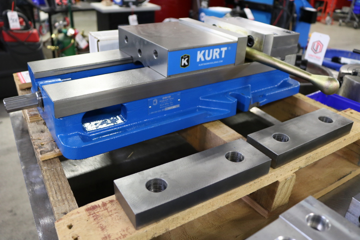 "Lot 65 - LOT - KURT 8"" MACHINE VISE, MODEL D810, W/ (4) STEEL JAWS AND KURT VISE WORK STOPS"