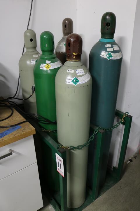 Lot 11 - RACK TO HOLD (6) PRESSURIZED TANKS W/ SAFETY CHAINS, TANKS NOT INCLUDED