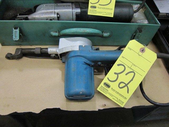 Lot 32 - BELT SANDER, MAKITA 1""