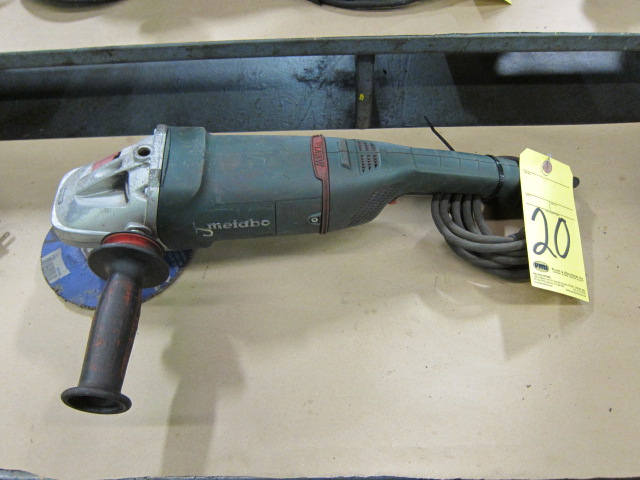 Lot 20 - ANGLE DISC GRINDER, METABO 7""
