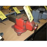 "Lot 2 - VISE, 4-1/2"", swivel base"
