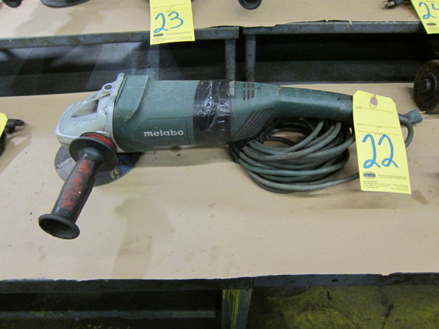 Lot 22 - ANGLE DISC GRINDER, METABO 7""