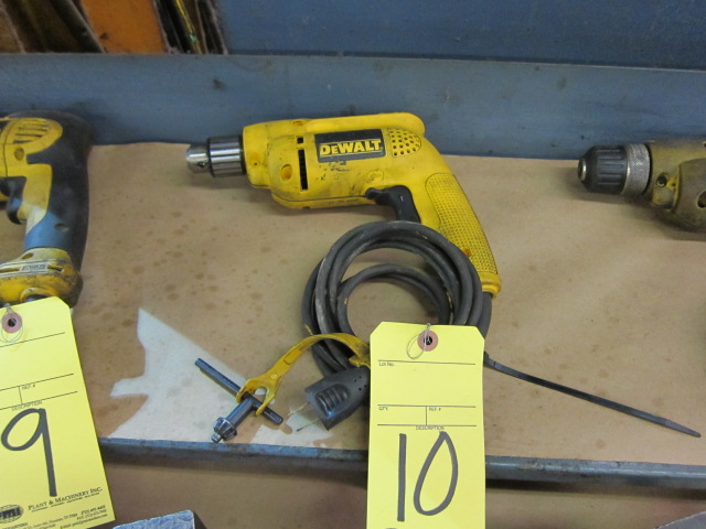 Lot 10 - ELECTRIC DRILL, DEWALT 1/2""