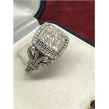 APPROX 2.00ct DIAMOND RING SET IN WHITE GOLD MARKED 10k
